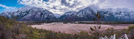 As montanhas da neve imagens de stock