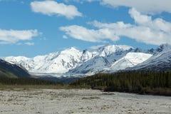 As montanhas de Alaska imagens de stock