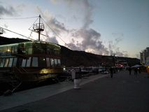 As montanhas do mar do céu do por do sol do sol do passa-montanhas de Criaem nublam-se a beleza bonita da viagem da recreação imagem de stock