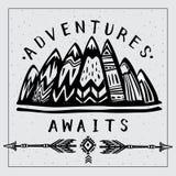 As montanhas e deixam vão em uma rotulação inspirada das aventuras ilustração stock