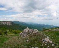 As montanhas e o céu Imagens de Stock