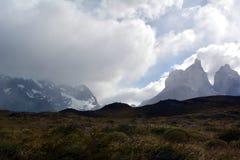 As montanhas em Torres del Paine fotos de stock royalty free