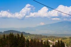 As montanhas inspiradores ajardinam o panorama, dia bonito no verão Tatras Fotos de Stock Royalty Free