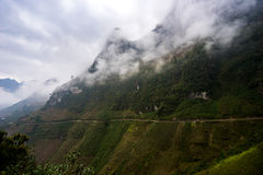 As montanhas majestosas da natureza ajardinam em Ha Giang, Vietname Fotos de Stock Royalty Free