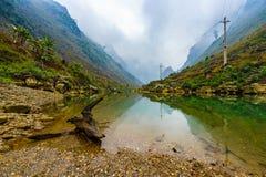 As montanhas majestosas da natureza ajardinam em Ha Giang, Vietname Fotos de Stock