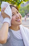 As mulheres asiáticas são cansados após o exercício Imagem de Stock Royalty Free