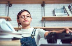 As mulheres asiáticas são preparadas para aprender Imagens de Stock Royalty Free