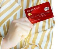 As mulheres colhem acima do cartão de crédito realístico Fotos de Stock