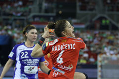 "AS MULHERES EHF do HANDBALL PATROCINAM o †""CSM BUCURESTI do FINAL 4 da LIGA contra ZRK VARDAR Imagens de Stock Royalty Free"