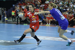 "AS MULHERES EHF do HANDBALL PATROCINAM o †""CSM BUCURESTI do FINAL 4 da LIGA contra ZRK VARDAR Fotografia de Stock"