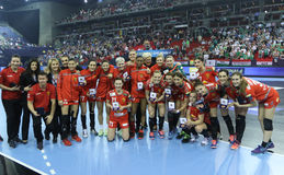 "AS MULHERES EHF do HANDBALL PATROCINAM o †""ZRK BUDUCNOST PODGORICA do FINAL 4 da LIGA contra ZRK VARDAR SKOPJE Fotos de Stock"