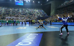 "AS MULHERES EHF do HANDBALL PATROCINAM o †FINAL ""GYORI AUDI ETO KC da LIGA contra CSM BUCURESTI Imagem de Stock"