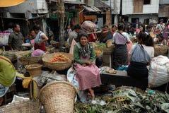As mulheres introduzem no mercado em India imagem de stock