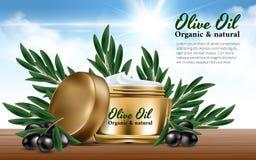 As mulheres realísticas do ouro rangem o creme para azeitonas pretas do ramo da cara Petróleo verde-oliva Propaganda excelente Imagens de Stock
