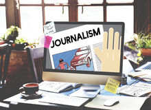 As notícias da entrevista do artigo do jornalismo publicam o conceito do relatório imagem de stock royalty free
