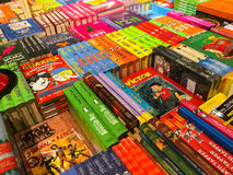 As novelas famosas as mais atrasadas para a venda em livrarias da biblioteca foto de stock