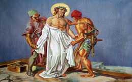 as 10ns estações da cruz, Jesus são descascadas de seus vestuários Imagem de Stock