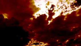 As nuvens ardentes do fogo gostam do inferno do diabo video estoque