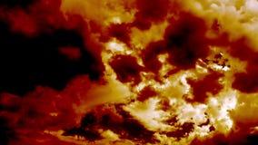 As nuvens ardentes do fogo gostam do inferno do diabo vídeos de arquivo
