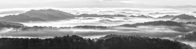As nuvens cobriram as montanhas de Dalat Imagens de Stock