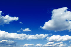As nuvens do branco Fotografia de Stock Royalty Free