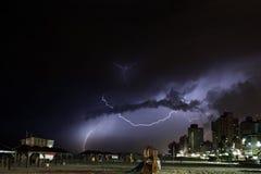 Tempestade do trovão da praia de Telavive Fotografia de Stock Royalty Free
