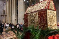 As orações antes do túmulo de Christ Fotografia de Stock Royalty Free
