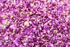 As pétalas secadas de um tipo especial de aumentaram Ervas no bazar grande em Tabriz Província do leste de Azerbaijão irã Foto de Stock