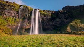 As paisagens pitorescas e a luz do norte em Islândia imagem de stock royalty free