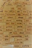 As palavras aleatórias em uma placa podem acender memórias Fotografia de Stock