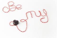 As palavras sejam meu Valentim com coração do chocolate Fotos de Stock Royalty Free