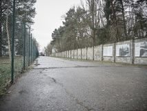 As paredes do campo de concentração de Sachsenhausen imagem de stock royalty free