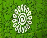 As partes verdes e brancas de um fundo tradicional do saree fotografam Fotografia de Stock Royalty Free
