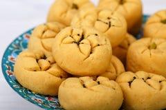 As pastelarias dadas forma redondas da cookie do grão-de-bico feitas do grama flour e estalam imagem de stock royalty free