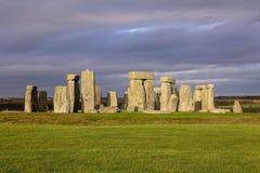 as pedras de Stonehenge, um monumento pr?-hist?rico em Wiltshire, Inglaterra Patrim?nio mundial do Unesco imagens de stock