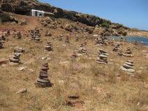 As pilhas das pedras levam a cabo a boa sorte imagens de stock royalty free