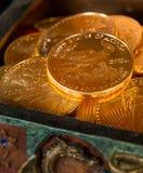 Coleção de moedas de um ouro da onça Fotografia de Stock Royalty Free