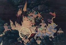 As pinturas murais de Ramakien Ramayana ao longo das galerias do templo de Emerald Buddha, do pal?cio grande ou do kaew do phra d fotografia de stock royalty free