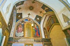 As pinturas murais na entrada à catedral de Vank, Isfahan, Irã Fotografia de Stock