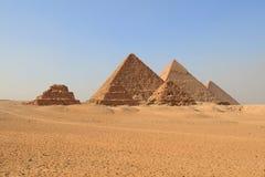 Platô o Cairo de Giza das pirâmides Fotografia de Stock Royalty Free