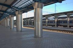 As plataformas da estação de trem de Dnepr Imagens de Stock
