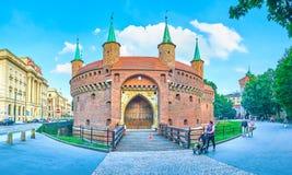 As portas da entrada a Barbakan, Krakow, Polônia Fotografia de Stock Royalty Free