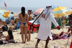 As praias de Rio de janeiro são aglomeradas na véspera do carnaval imagem de stock