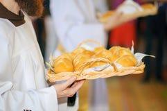 As primeiras comunas na igreja fotografia de stock royalty free