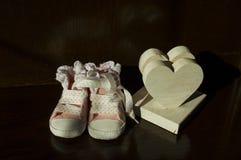 As primeiras sapatas de bebê Foto de Stock