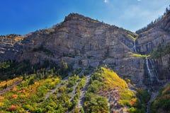 As quedas nupciais do véu são uns pés 607 185 medidores de cachoeira dobro da catarata na extremidade sul da garganta de Provo, p fotos de stock royalty free