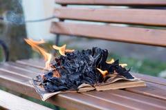 As queimaduras do livro imagens de stock royalty free
