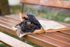 As queimaduras do livro fotos de stock royalty free
