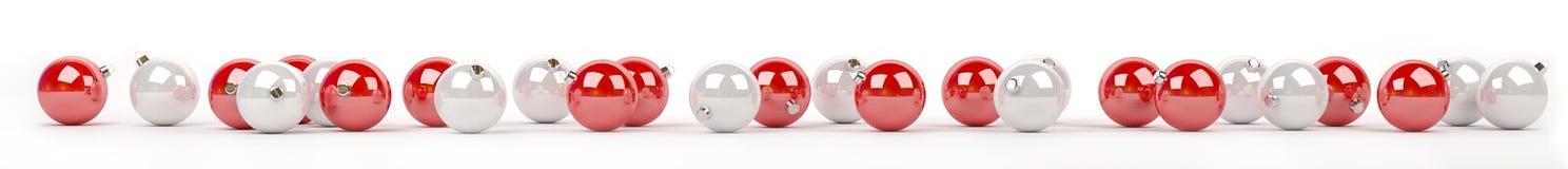 As quinquilharias do vermelho e do White Christmas alinharam a rendição 3D Imagens de Stock