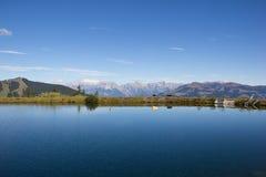 As reservas de água em Schmittenhöhe em Zell Am veem com vista a Steinernes Meer & a Hochkönig Imagem de Stock Royalty Free